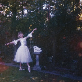 wolf_alice_visions_of_a_life